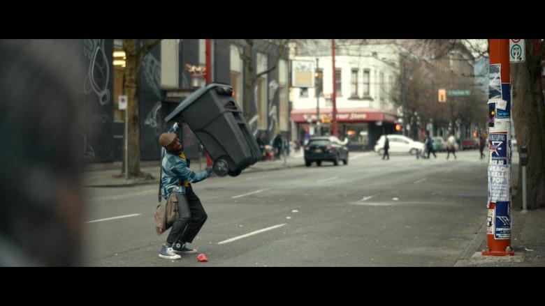 Converse Shoes of Lamorne Morris as Keef in Woke S01E01 (2)