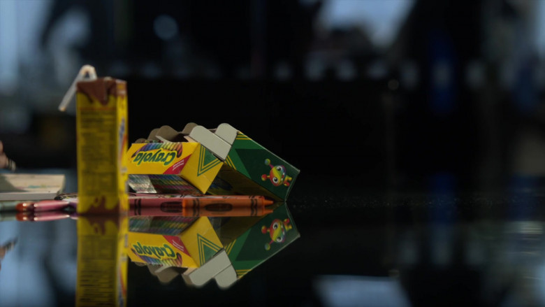 Crayola Crayons in L.A.'s Finest S02E08 (1)