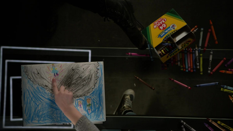 Crayola Crayons in L.A.'s Finest S02E08 (3)