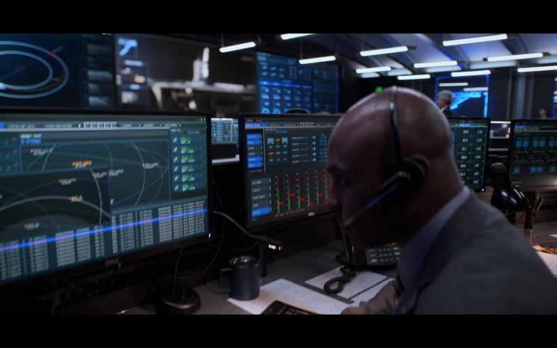Dell Monitors in Away S01E01 Go