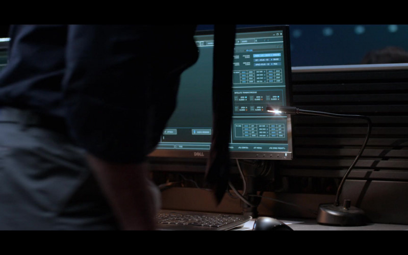 Dell Monitors in Away S01E09 Spektr (1)