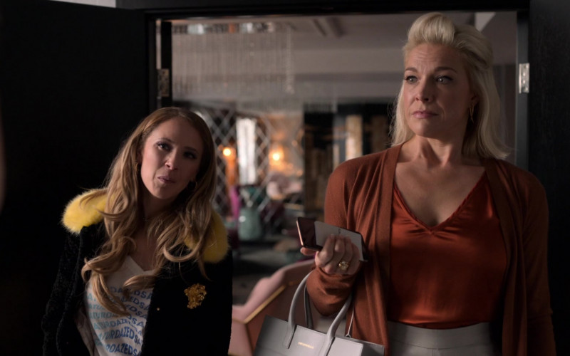 Emporio Armani Handbag of Hannah Waddingham as Rebecca Welton in Ted Lasso S01E07
