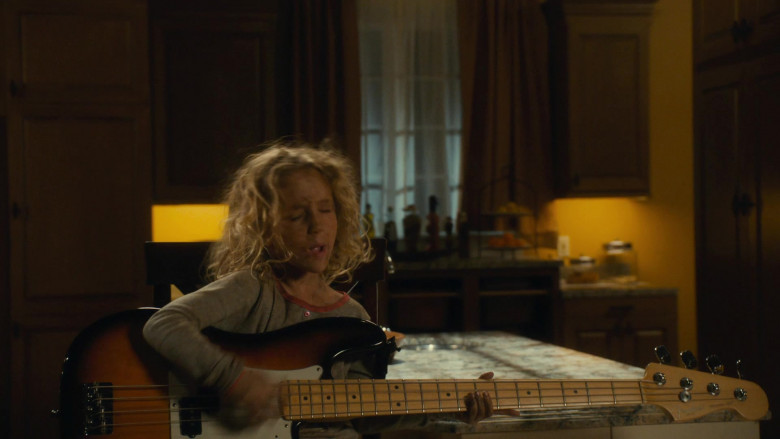 Fender Guitar in Scary Movie 5 (2013)