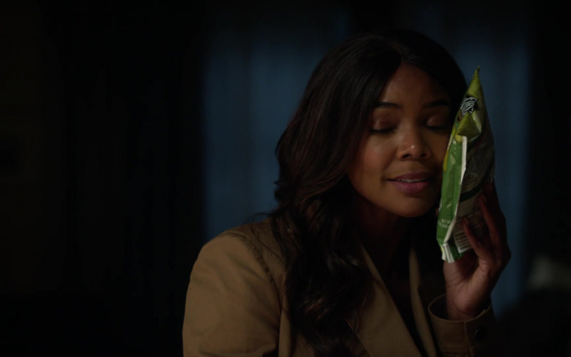 First Street Green Peas Used by Gabrielle Union as Syd in L.A.'s Finest S02E03 (1)