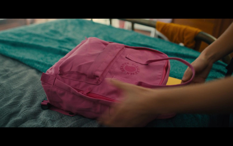 Fjallraven Kanken Pink Backpack of Haley Lu Richardson as Veronica in Unpregnant Movie (1)