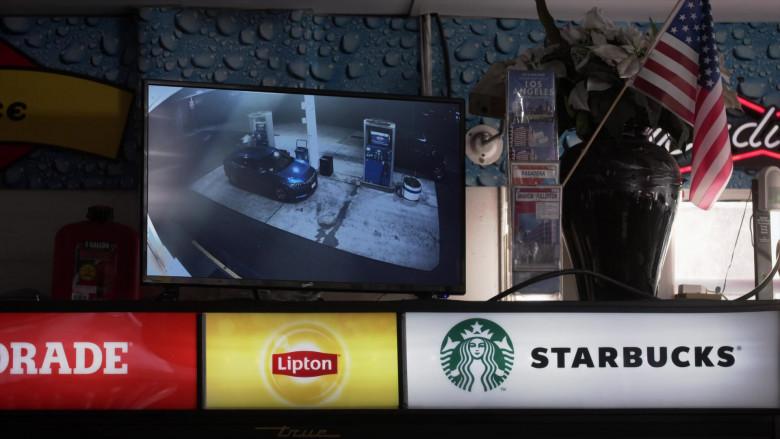 Gatorade, Lipton, Starbucks in L.A.'s Finest S02E07