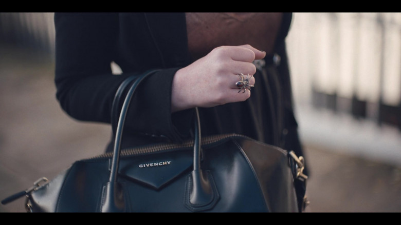 Givenchy Bag of Katherine Ryan in The Duchess S01 (1)