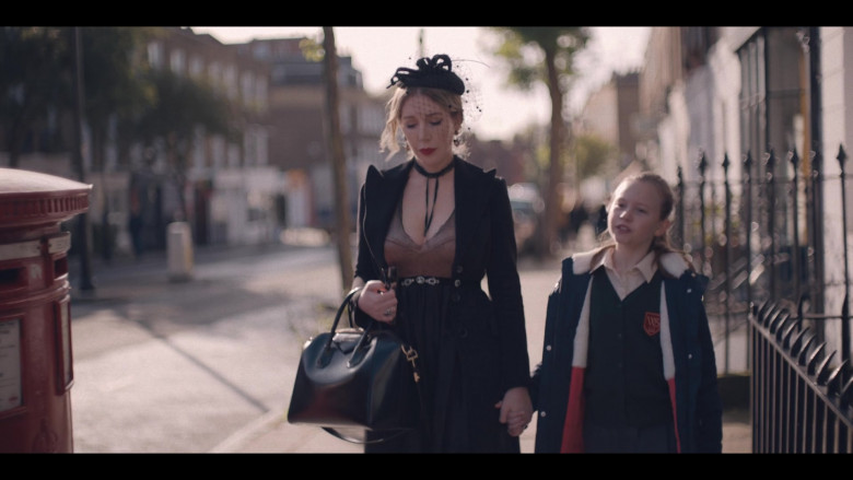 Givenchy Bag of Katherine Ryan in The Duchess S01 (2)