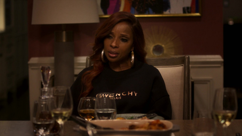 Givenchy Black Sweatshirt Outfit of Mary J. Blige as Monet Stewart Tejada in Power Book II Ghost S01E02 (1)