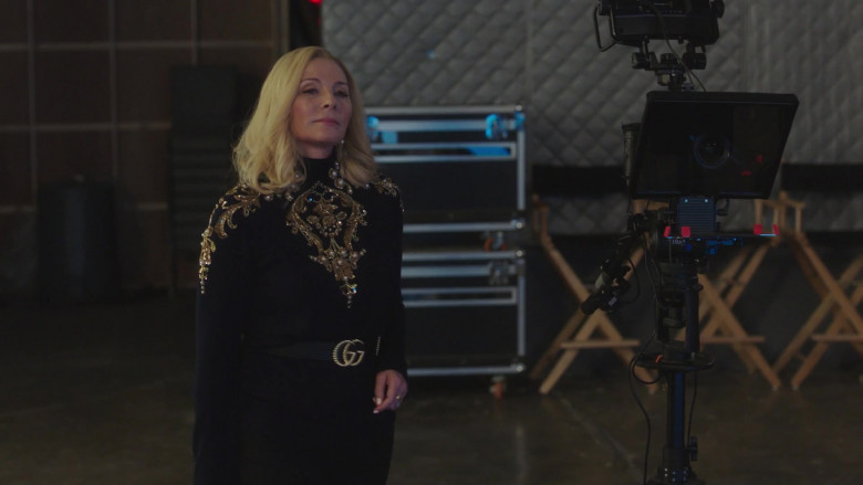 Gucci Belt Outfit of Kim Cattrall as Margaret Monreaux in Filthy Rich S01E02 TV Series (2)