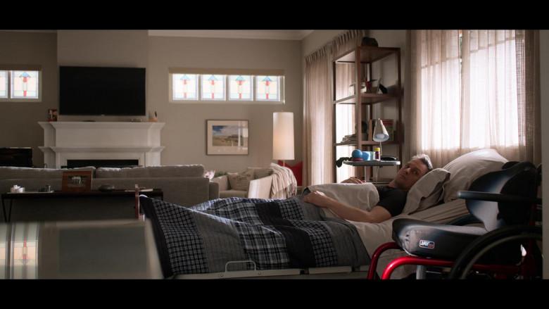 Jay Wheelchair of Josh Charles as Matt Logan in Away S01E10 TV Show by Netflix (1)