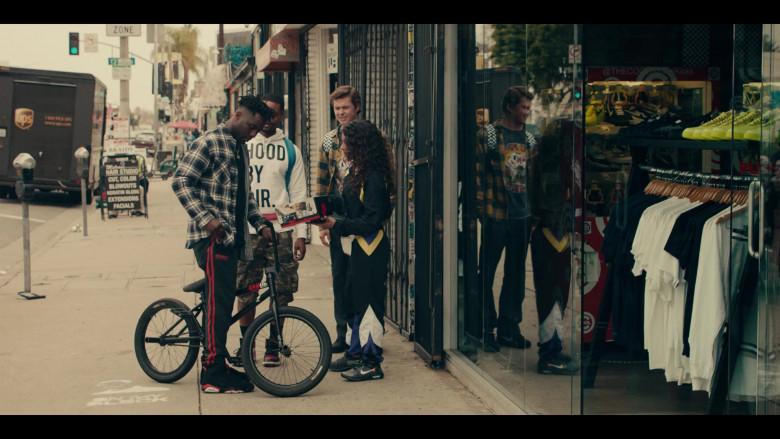 Jordan 6 Black Sneakers by Nike in Sneakerheads S01E04