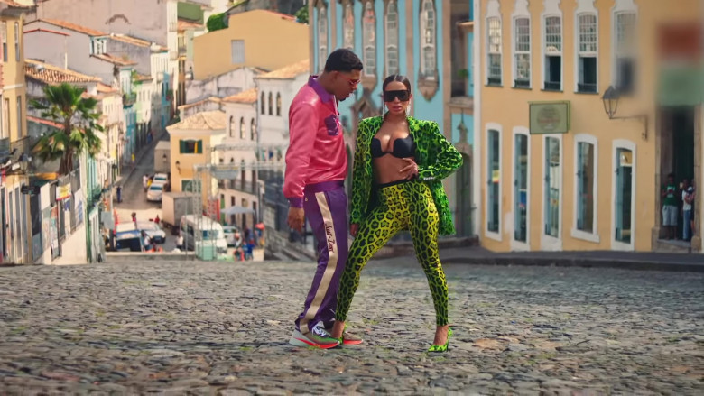 """Just Don Purple Pants Outfit of Myke Towers in """"Me Gusta"""" Music Video (2)"""