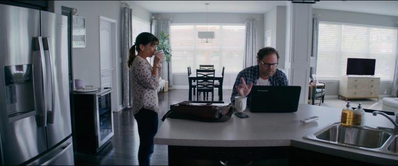 Lenovo Laptop of Rainn Wilson as Michael Stearns in Utopia S01E06 TV Show (2)