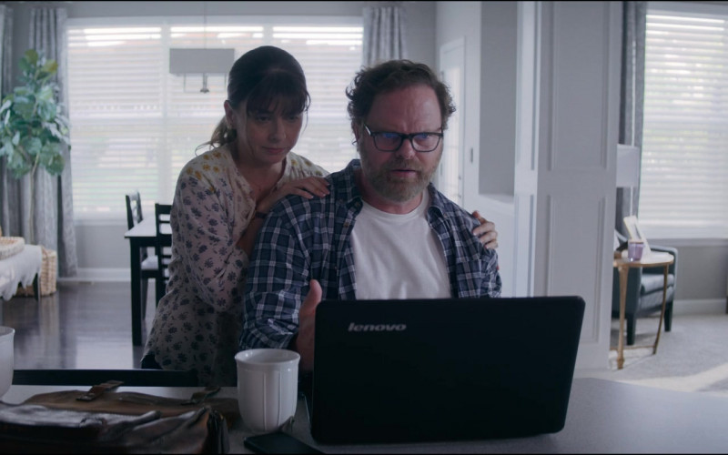 Lenovo Laptop of Rainn Wilson as Michael Stearns in Utopia S01E06 TV Show (3)
