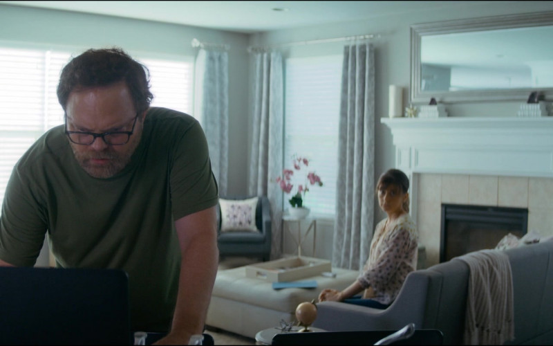 Lenovo Notebook of Actor Rainn Wilson as Michael Stearns in Utopia S01E07 TV Series