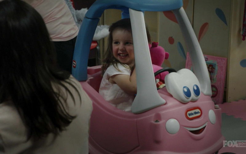 Little Tikes Cozy Coupe in Wentworth S08E08
