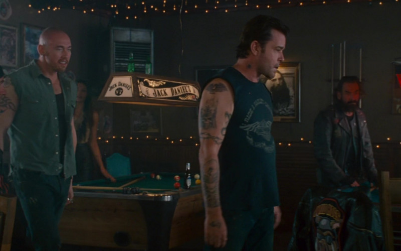 MGD Beer Sign and Jack Daniel's Lamp in Wild Hogs (2007)