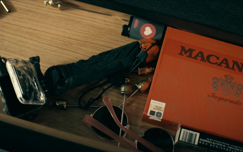 Macanudo Inspirado Cigars Box in The Boys S02E06 TV Show (2)