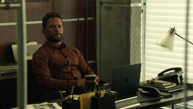 Microsoft Surface Laptop of David Fumero as Jason Calloway in L.A.'s Finest S02E02 (3)
