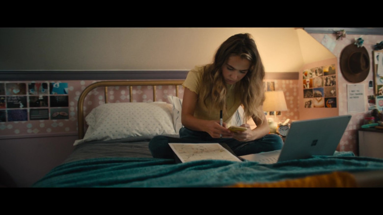 Microsoft Surface Laptop of Haley Lu Richardson as Veronica in Unpregnant (2020)