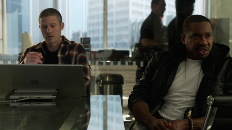 Microsoft Surface Studio Computer Used by Zach Gilford as Ben Walker in L.A.'s Finest S02E01