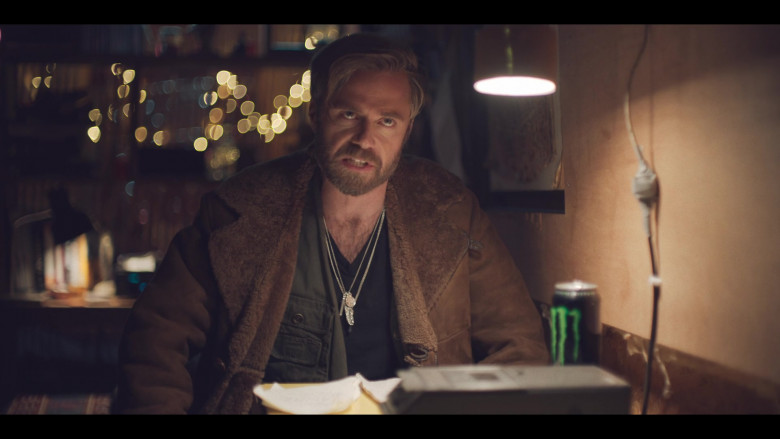 Monster Energy Drink of Rory Keenan as Shep in The Duchess S01