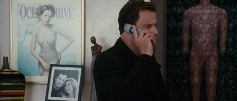 Motorola Razr Phone of John Travolta as Woody Stevens in Wild Hogs (1)