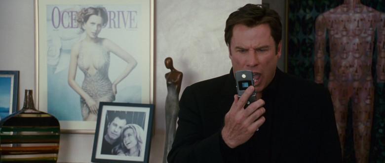 Motorola Razr Phone of John Travolta as Woody Stevens in Wild Hogs (2)