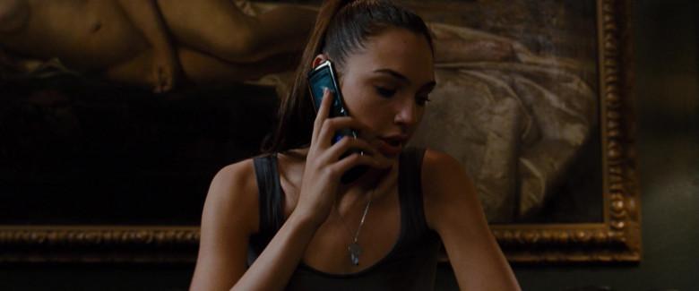 Motorola Razr x Sprint Phone of Gal Gadot as Gisele Yashar in Fast & Furious (2)