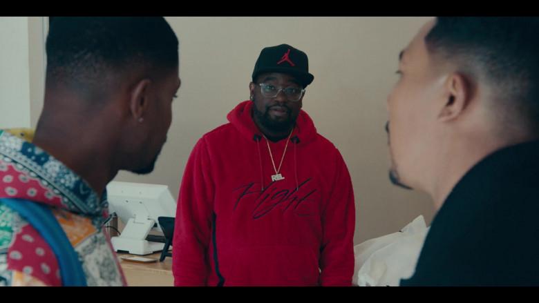 Nike Jordan Red Sportswear Wings of Flight Men's Sherpa Pullover Hoodie and Black Cap Street Fashion Outfit (3)