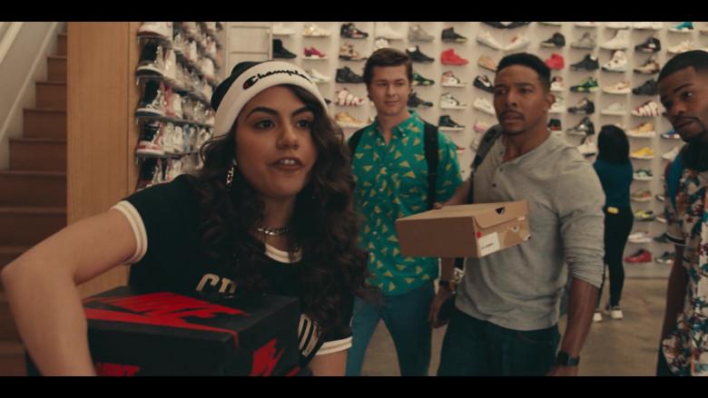 Nike Shoe Box Held by Jearnest Corchado as Nori in Sneakerheads S01E02