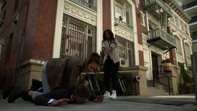 Nike Sneakers of Gabrielle Union as Sydney Burnett in L.A.'s Finest S02E03 (1)