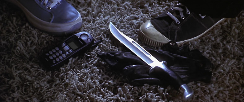 Nokia 5110 Mobile Phone in Scary Movie (2000)