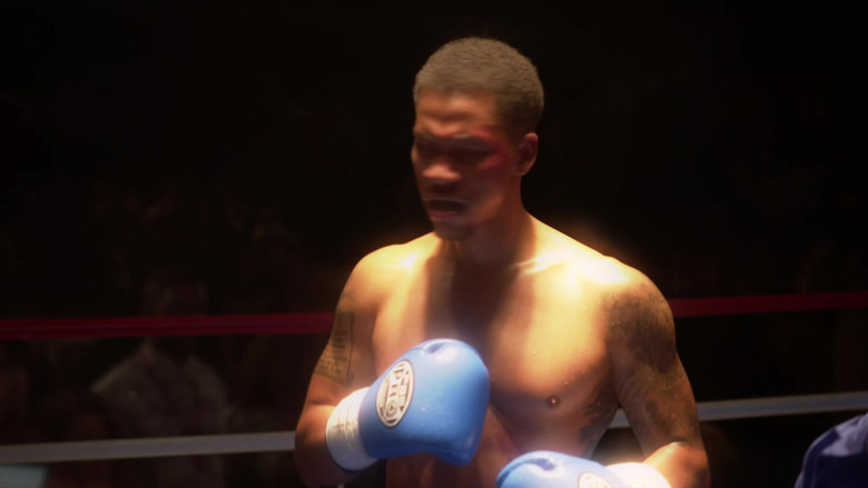 PBS Pro Boxing Gloves in L.A.'s Finest S02E07 (2)