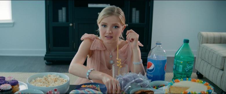 Pepsi and Sprite Soda Drinks in Utopia S01E07