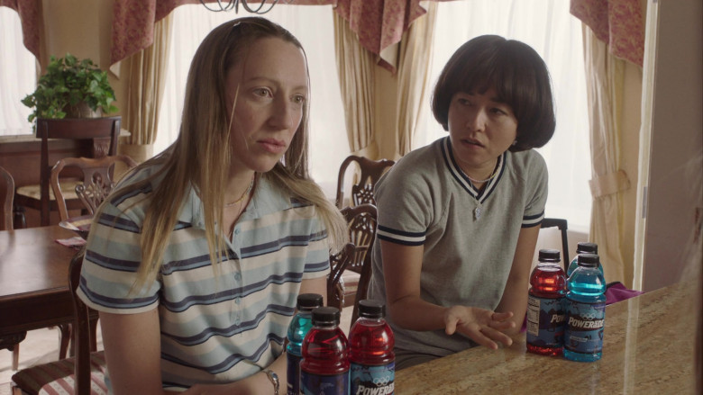 Powerade Sports Drinks of Maya Erskine & Anna Konkle in PEN15 S02E04 HULU TV Show (2)