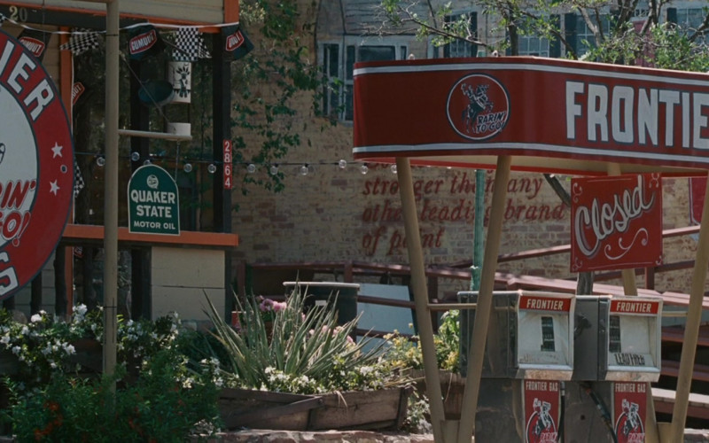 Quaker State Motor Oil Signs in Wild Hogs (2007)