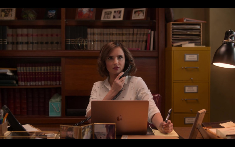 Rachael Leigh Cook Uses in Love, Guaranteed Movie (2)