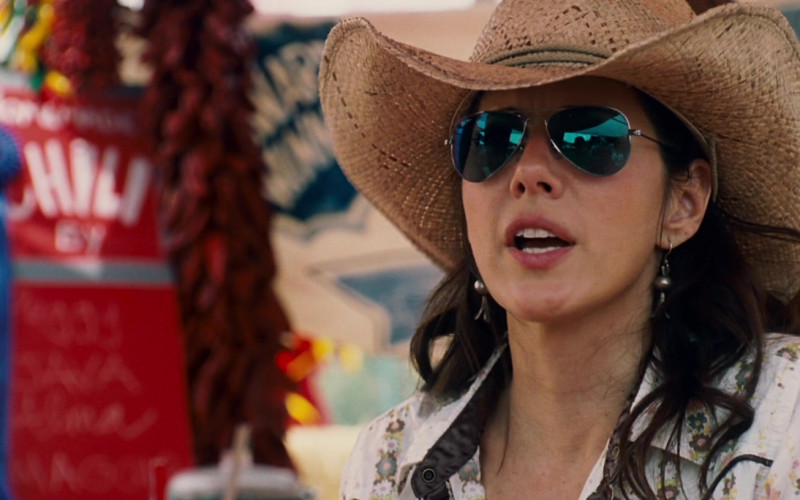 Ray-Ban Sunglasses of Marisa Tomei as Maggie in Wild Hogs (1)