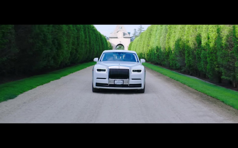 "Rolls-Royce Phantom White Luxury Vehicle in ""Pa' Ti + Lonely"" Music Video 2020 by Jennifer Lopez & Maluma (5)"