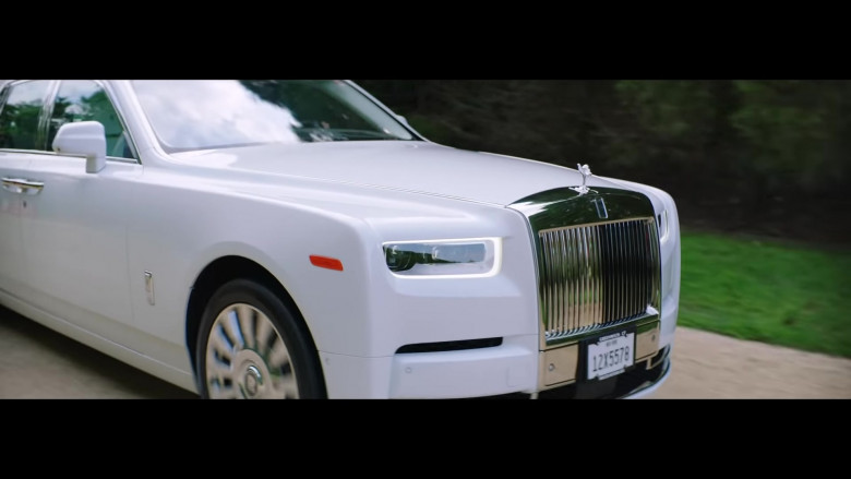 "Rolls-Royce Phantom White Luxury Vehicle in ""Pa' Ti + Lonely"" Music Video 2020 by Jennifer Lopez & Maluma (6)"