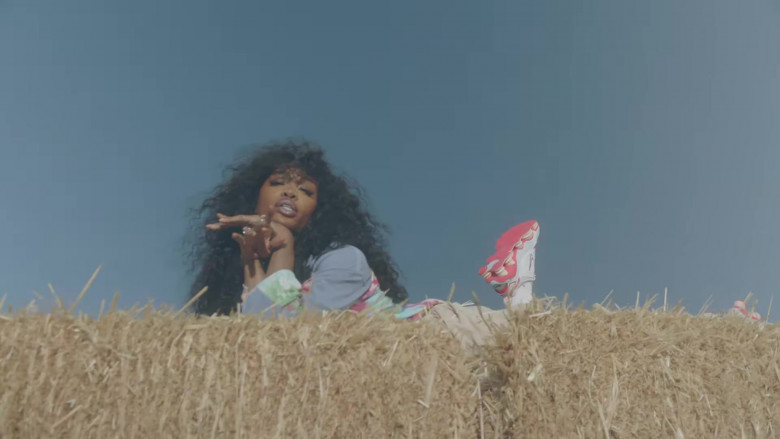 "SZA Nike Shoes in ""Hit Different"" Music Video (2)"
