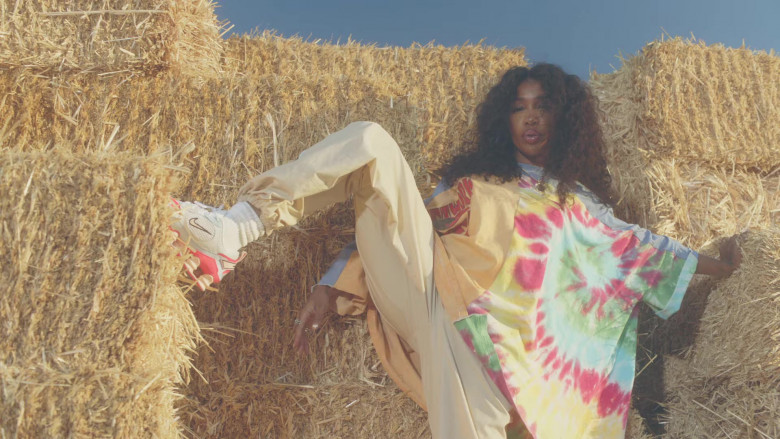 "SZA Nike Shoes in ""Hit Different"" Music Video (3)"