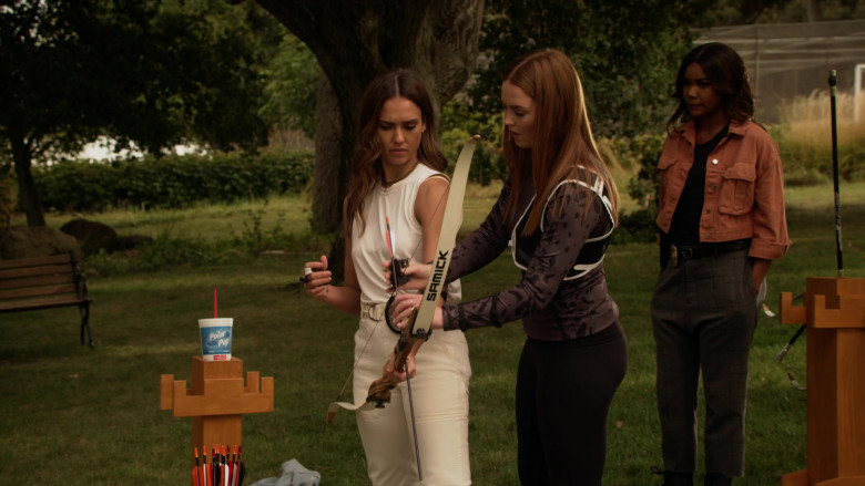 Samick Polaris Bow Used by Jessica Alba as Nancy McKenna in L.A.'s Finest S02E03 (1)