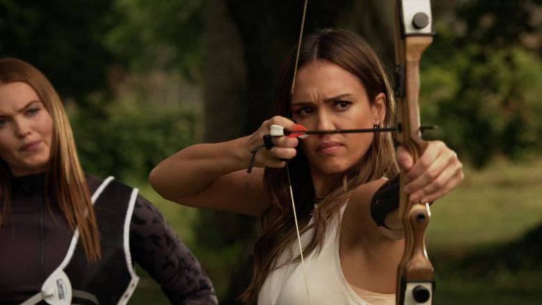 Samick Polaris Bow Used by Jessica Alba as Nancy McKenna in L.A.'s Finest S02E03 (2)