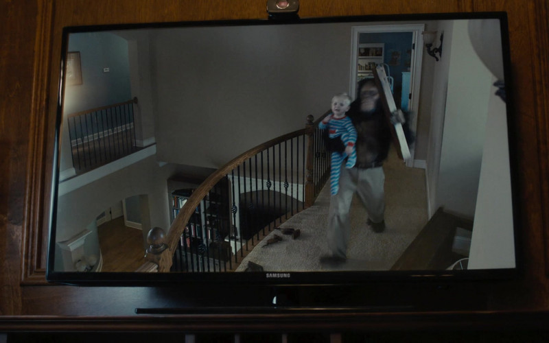 Samsung TV in Scary Movie 5 (2013)