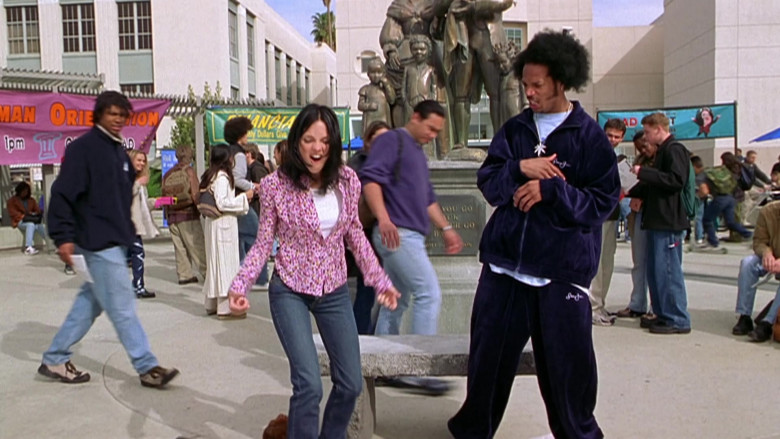 Sean John Velour Track Suit Outfit of Marlon Wayans as Shorty Meeks in Scary Movie 2 (4)