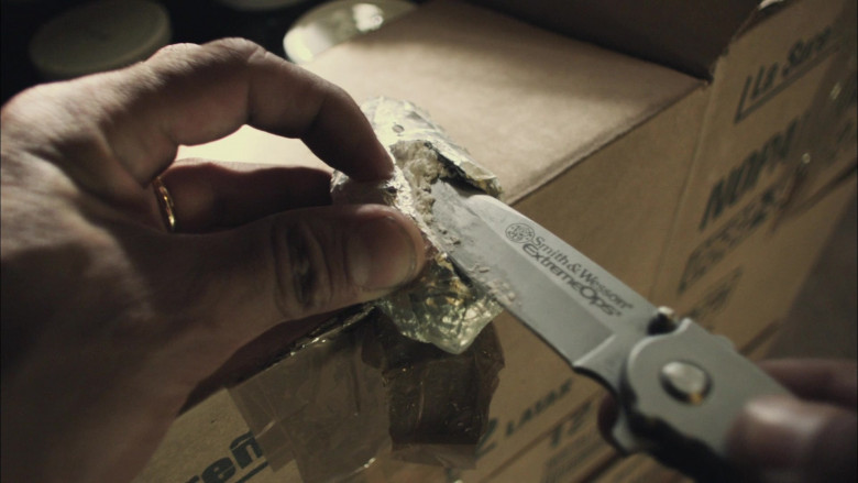 Smith&Wesson Extreme Ops Knife of Michael Peña as Miguel 'Mike' Zavala in End of Watch