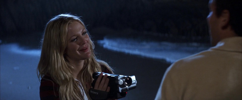 Sony Handycam Video Camera Held by Drew Barrymore as Lucy Whitmore in 50 First Dates Movie (2)